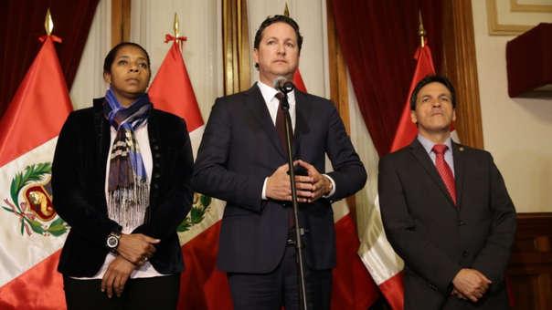 La aprobación de la ley asociada a Alberto Fujimori ha hecho que bancadas presenten una moción de censura contra el presidente del Congreso, Daniel Salaverry.
