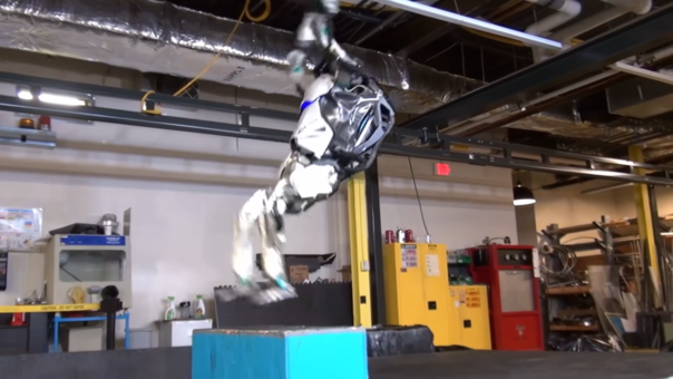 Atlas ya es capaz de practicar Parkour