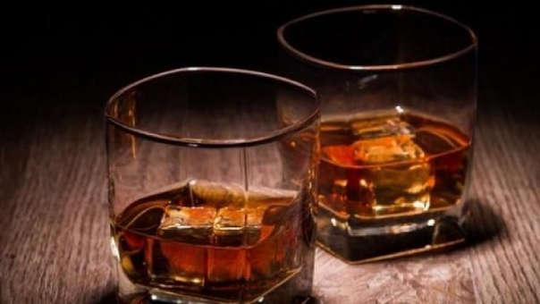 El whisky es de una soecha de hace casi 100 años.