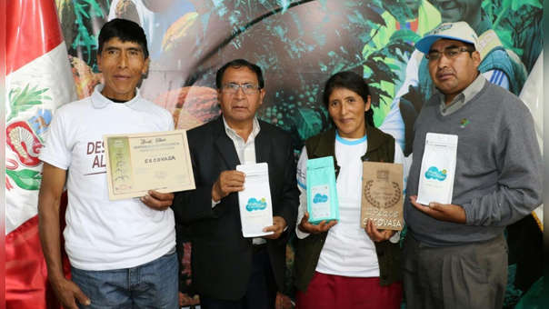 Vicentina Phocco Palero ganó el Premio Mundial al Mejor Café de Calidad de la feria Global Specialty Coffee EXPO Seattle 2018.