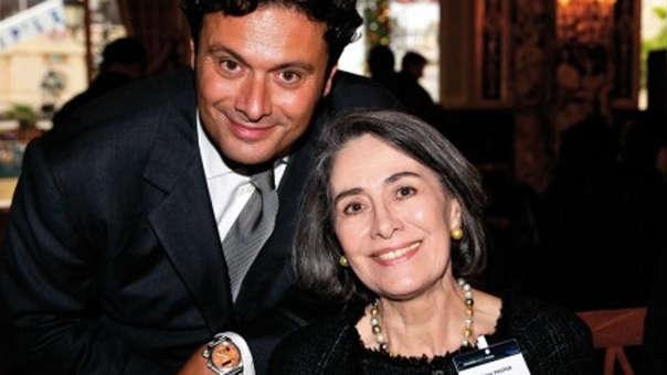 Helene Pastor junto a su hijo Gildo.