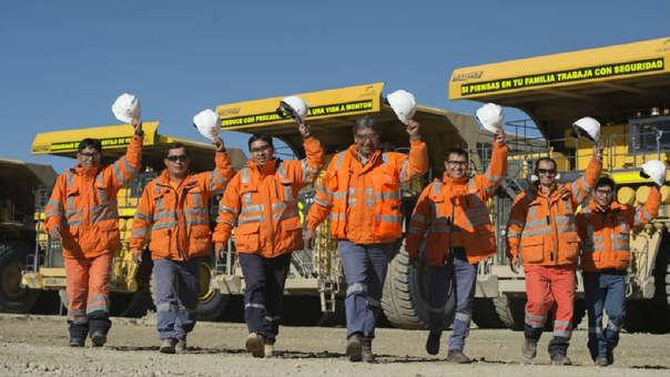 Construcción de mineras dinamizará la inversión privada, la pública no repunta.