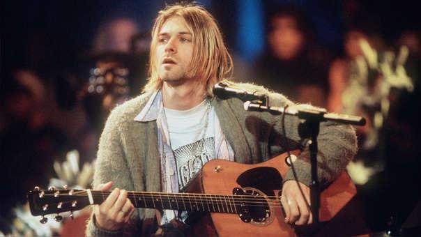 El cantante colombiano se tiñó el cabello de rubio y fue comparado con el líder de Nirvana al posar en su más reciente fotografía.