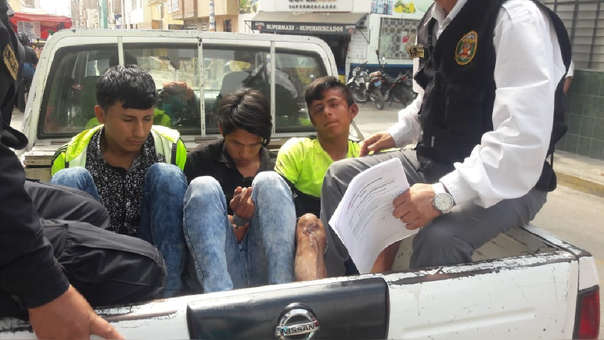 Presuntos delincuentes fueron rescatados por la Policía