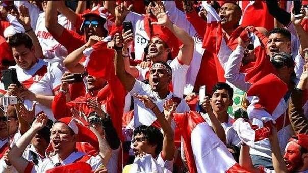 Los hinchas peruanos fueron reconocidos por la FIFA como la mejor afición del mundo.