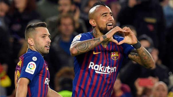 Arturo Vidal anotó su primer gol como jugador del Barcelona ante Real Madrid.
