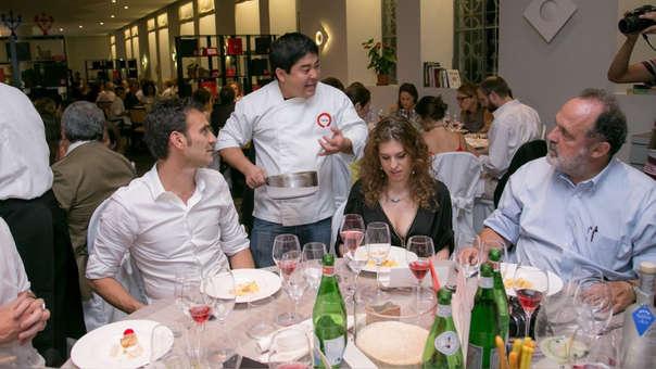 El restaurante del chef peruano Mitsuharu Tsumura resalta por su cocina nikkei.