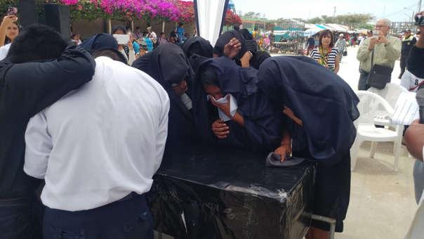 Estudiantes escenificaron duelo tradicional