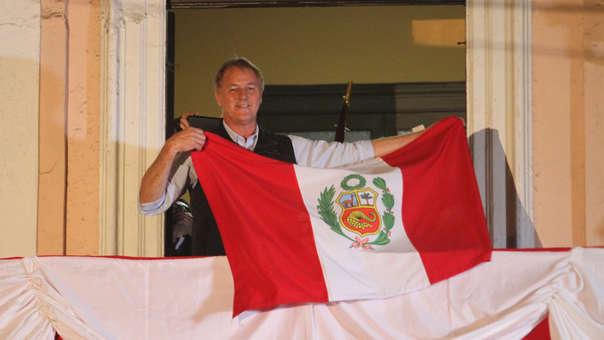 Jorge Muñoz logró 1'907.693 votos (36.03%) en las últimas Elecciones Regionales y Municipales.