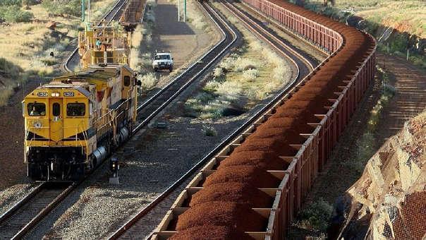 La empresa decidió, por seguridad, hacer descarrilar el tren.