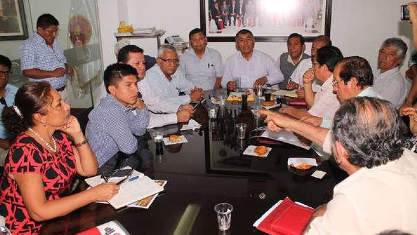 Integrantes del Colegio de Ingenieros recibió al electo Gobernador, Anselmo Lozano