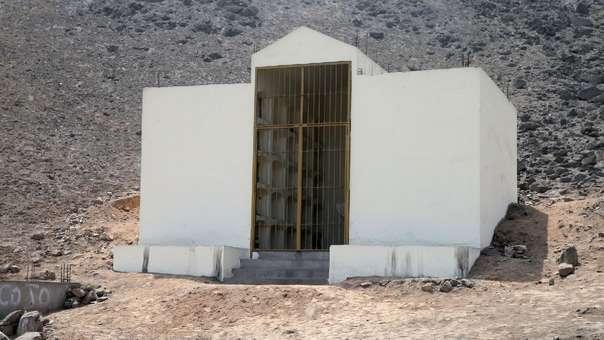 El mausoleo terrorista, ubicado dentro del cementerio de Comas, fue construido a inicios del 2016.