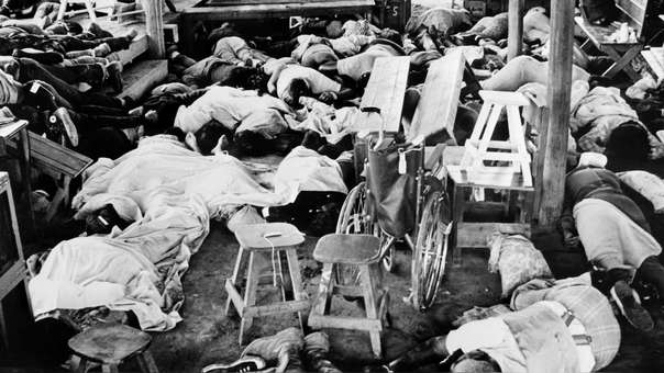 Cuerpos de las personas que participaron en el suicidio colectivo
