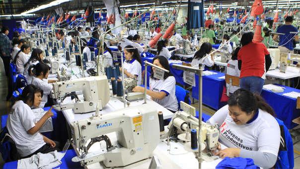 Del total de personas desempleadas, el 48.3% (162 mil 300 personas) son varones y el 51.7% (173 mil 500 personas) son mujeres.