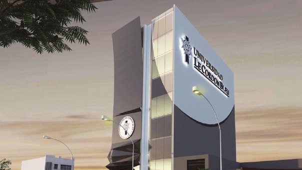 Universidad ofrecerá siete carreras y dos maestrías tras el licenciamiento.