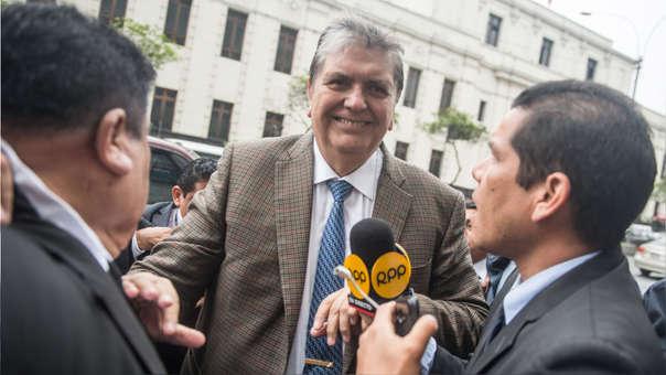 Alan García en su llegada a la sede de la Fiscalía de este viernes