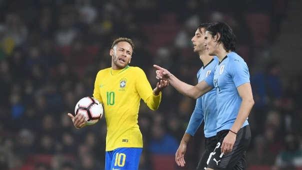 Neymar y Edinson Cavani tuvieron algunos incovenientes en la primera temporada que jugaron juntos en el PSG.