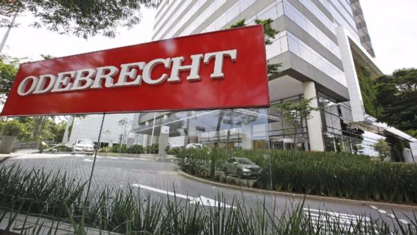A fines de 2016, Odebrecht admitió haber pagado US$ 29 millones en soborno a distintos funcionarios entre 2005 y 2014, para obtener las licitaciones de obras públicas en Perú.