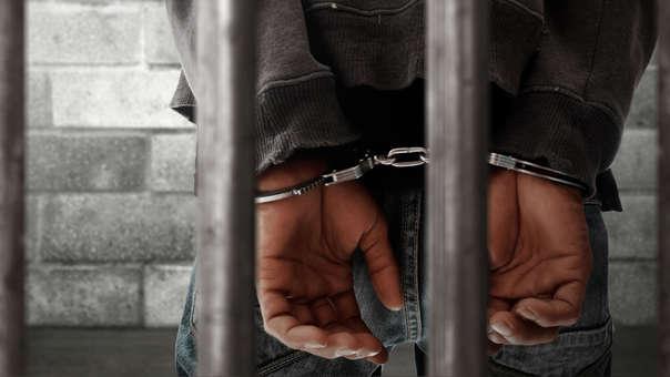 Brian Varela, quien se declaró culpable de homicidio y cargos de violación, fue condenado la semana pasada a 34 meses de prisión.