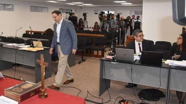 A inicios de noviembre, el fiscal Pérez dispuso formalizar una investigación preparatoria contra el esposo de Keiko Fujimori por el presunto delito de lavado de activos