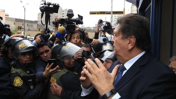 Alan García se encuentra refugiado en la residencia del embajador de Uruguay.