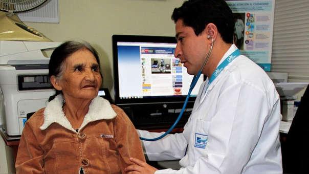 La cobertura del Minsa además de EsSalud, incluye a los establecimientos de la Sanidad Policial y Fuerzas Armadas.