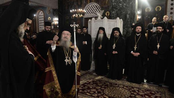 Obispos en una misa en la ciudad de Tesalónica. 73 de 82 de los obispos griegos se oponen a la reforma impulsada por el Gobierno griego, según los disidentes.