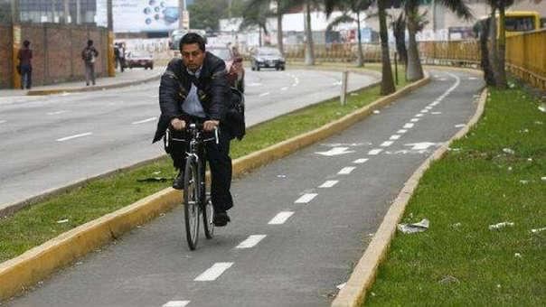 La ley declara el 3 de junio como el Día Nacional de la Bicicleta. Asimismo promociona su uso como medio de transporte sostenible.