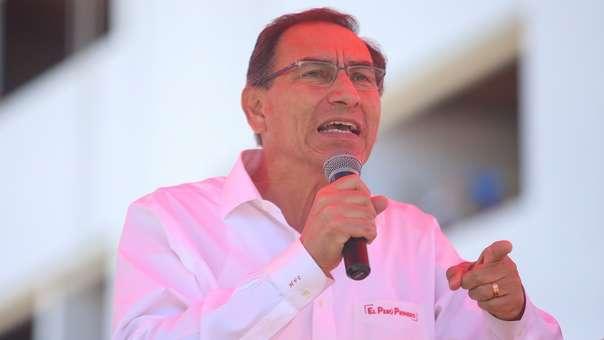 Martín Vizcarra se encuentra en Chile para una actividad oficial.
