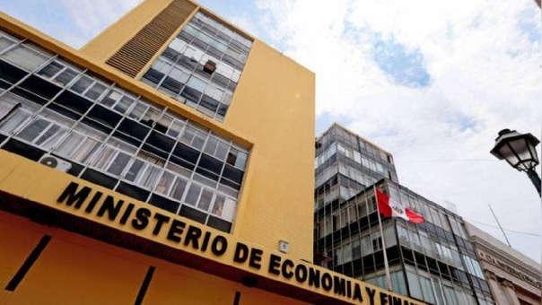 Carlos Oliva, expuso en el Congreso las perspectivas económicas, fuentes de financiamiento en el marco de la sustentación del proyecto de presupuesto público 2019.