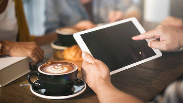 La franquicia de cafeterías Starbucks comenzará a bloquear el acceso a contenido pornográfico en sus tiendas desde el 1 de enero de 2019