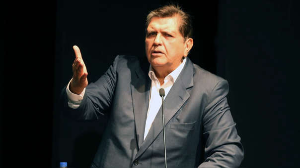 Pinedo aseguró que el ex mandatario se encuentra en la vivienda de su hija Carla García.