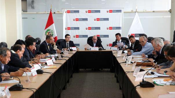 Además este grupo de trabajo tripartito someterá a dialogo la política nacional de productividad y competitividad.