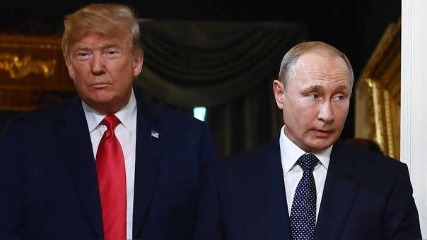 Donald Trump y Vladímir Putin, presidentes de EE.UU. y Rusia, dyurante su encuentro en julio de este año en Helsinki.