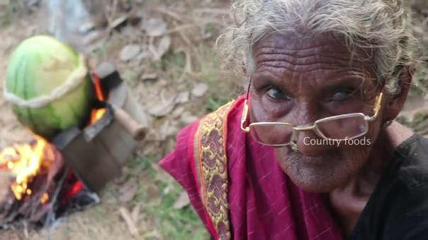 Karre Matstanamma empezó a protagonizar videos de YouTube a los 105 años.