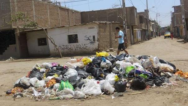 Calles afectadas con basura.