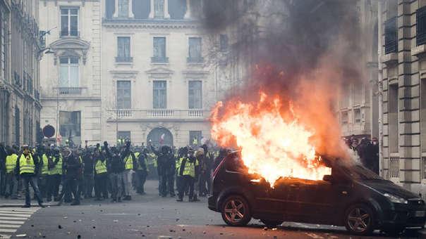 París arde en llamas por las protestas Chalecos amarillos.