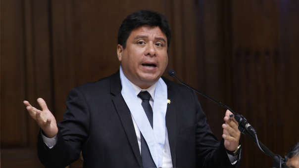 Eduardo Piaggio defendió al congresista Moisés Mamani.
