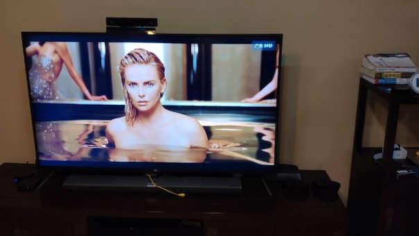 Un televisor Xiaomi mostrando publicidad cuando su dueño cambió la entrada de HDMI.