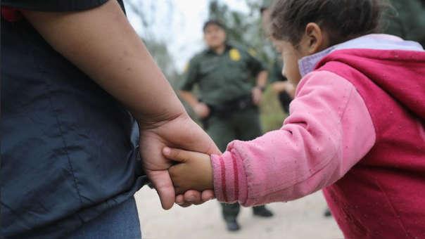 La menor y su padre fueron detenidos tras ingresar a EE.UU. por la frontera con México (referencial).