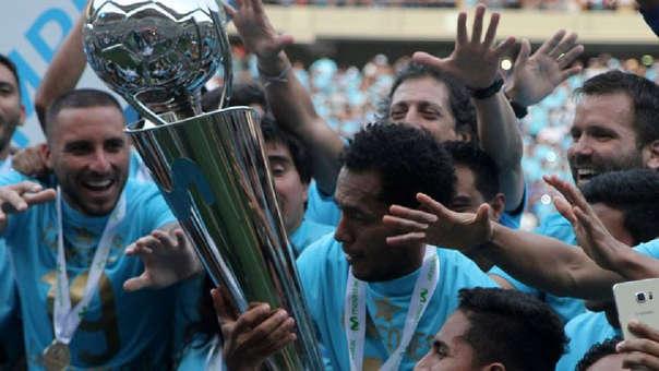 Carlos Lobatón ha ganado cinco títulos nacionales con Sporting Cristal.