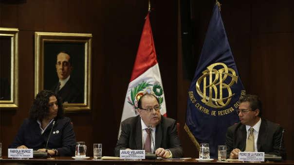 Para el presidente del BCR, Julio Velarde, el aumento de los contratos temporales es consecuencia de la rigidez del mercado laboral.