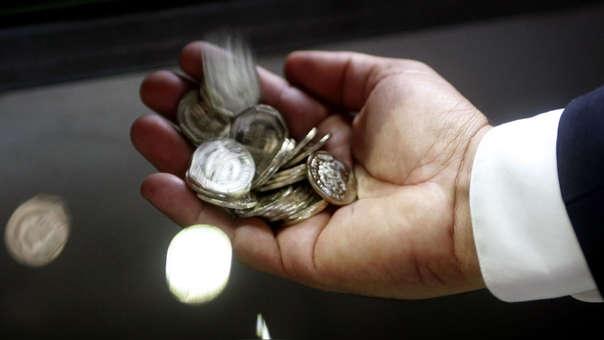 Se pondrá a la venta estuches conteniendo la moneda a un precio de S/ 2.00. La venta se realizará en el jirón Ucayali 271, Cercado de Lima, de 08:00 a 15:00 horas.
