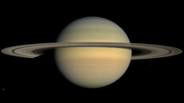 Galileo fue el primero en observar los anillos de Saturno en 1610.