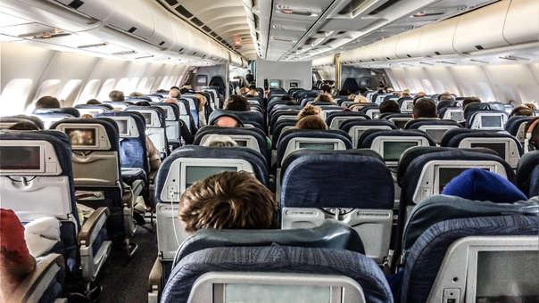 El incidente ocurrió durante un vuelo entre Reno y Los Ángeles, en Estados Unidos.