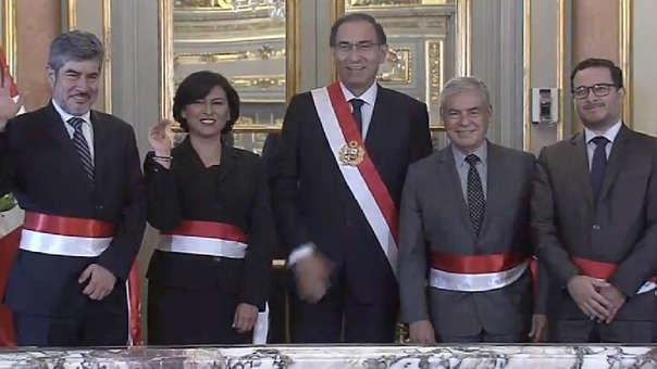 Los tres nuevos ministros juran esta tarde frente a Martín Vizcarra, quien estuvo acompañado por César Villanueva.