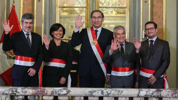 Martín Vizcarra tomó juramente a sus nuevos ministros.
