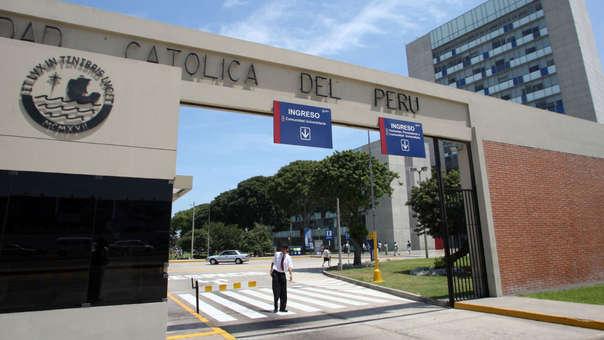 Crisis por cobros indebidos provocó la renuncia de la terna de rector y vicerrectores de la Universidad Católica.