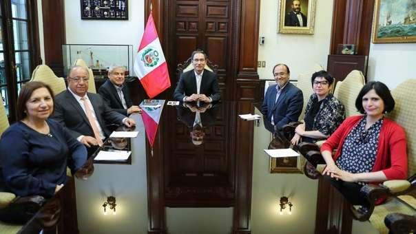 Presidente Vizcarra se reunió con la Comisión de Reforma Política