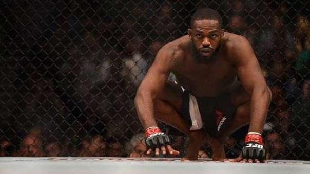 Jon Jones compite en la categoría de peso semipesado de la UFC.